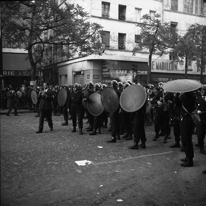 CRS-avec-boucliers-6-mai-1968