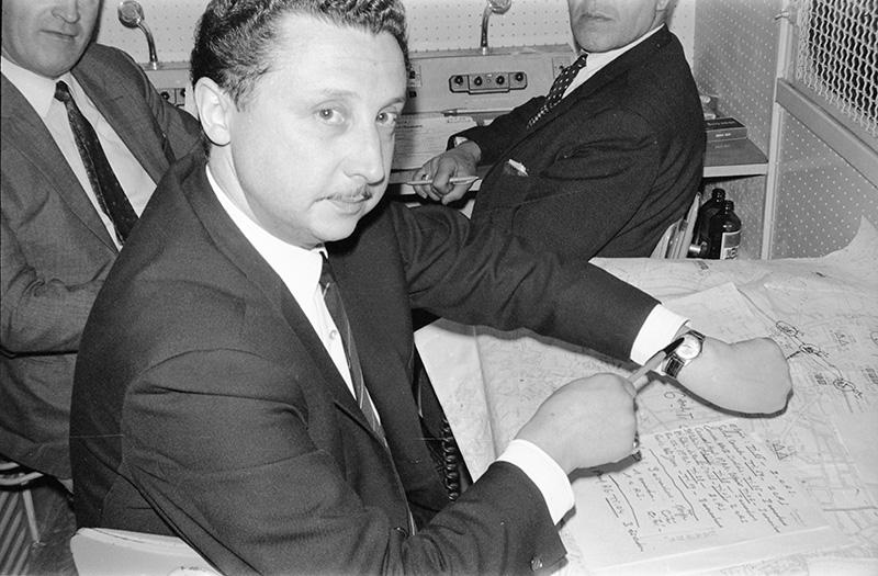 Commandement-dans-fourgons-13-mai-1968